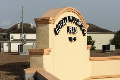 Royale Woodbridge Plaza